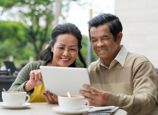 elderly couple tablet thumbnail