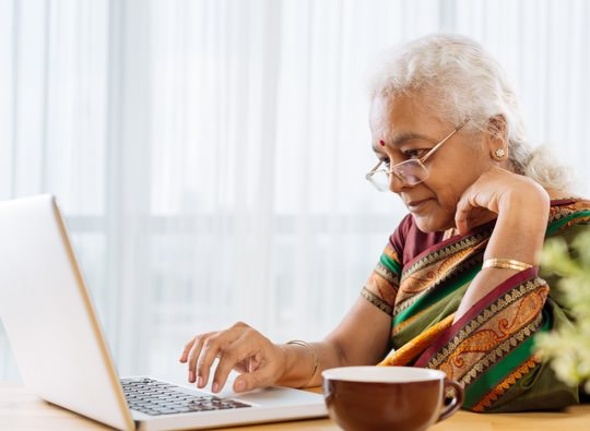 elderly woman laptop thumbnail